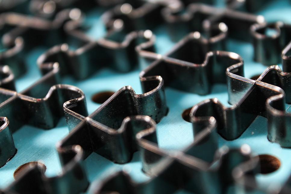 Präzise Stanzung der Puzzleteile