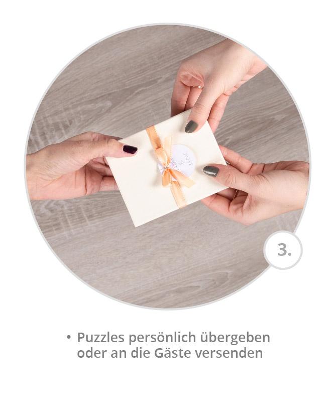 Puzzles persönlich an die Gäste überreichen oder versenden